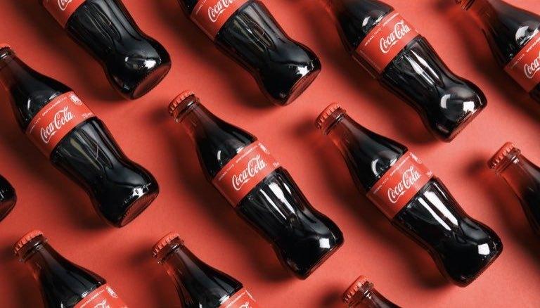 世界の飲料メーカー「コカコーラ」決算から分かるビジネスモデルと事業戦略
