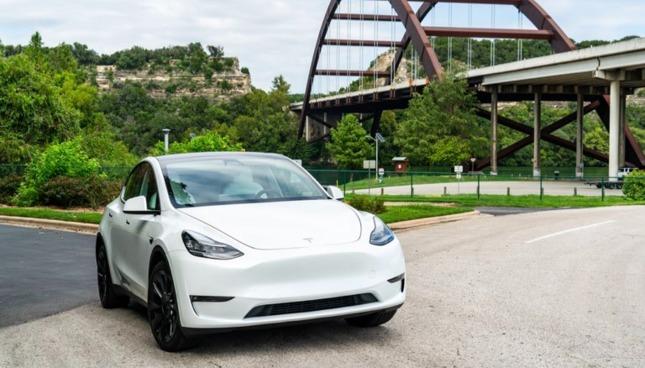 Tesla 1Q決算:逆風でも過去最大の販売数、『Model Y』覇権に向け自信