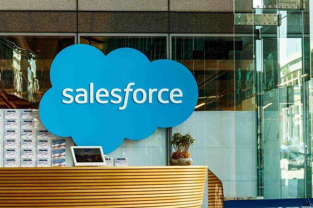 15歳で起業!SaaSのパイオニア「Salesforce.com」と創業者マーク・ベニオフの半生(前編)