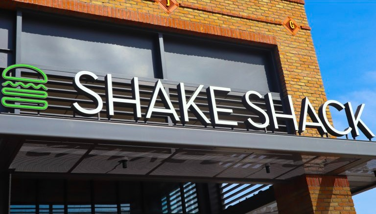 店舗あたり売上でマック超え「Shake Shack」その歴史から成長戦略まで